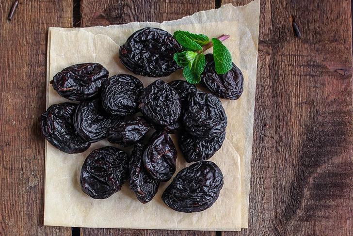 prunes dried plums