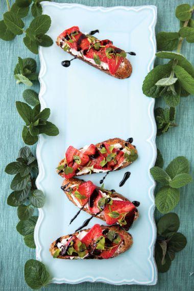 Minty Strawberry Crostini