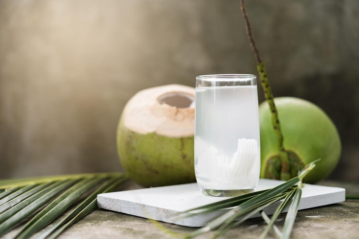 Coconut juice,Drink coconut water
