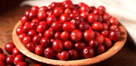 5 health-promoting reasons to eat cranberries