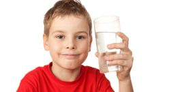 Water With Your Meal May Encourage Better Food Choices