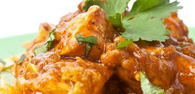 Dahiwali Chicken Curry in Yogourt-Based Gravy