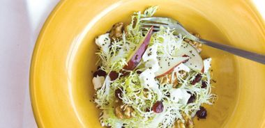 Frisée and Pear Salad with Poppy Seed Dressing