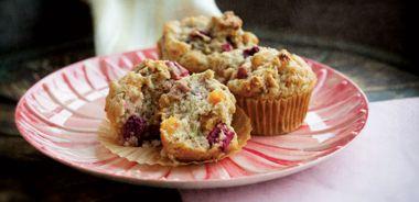 Rhubarb Buttermilk Muffins
