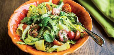 Fresh Asparagus and Zucchini Toss