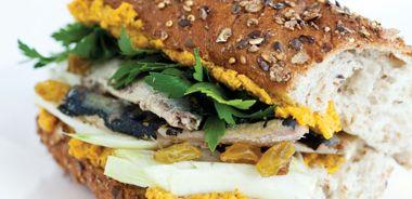 Sardine Sandwich with Walnut Spread