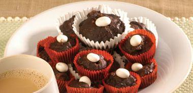 Chocolate Yogourt Muffins with Walnuts