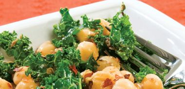 Chickpeas with Sautéed Kale and Tapenade Sauce
