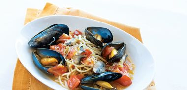 Kamut Spaghetti with Steamed Mussels