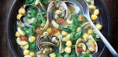 Chickpea Soup with Clams and Pasta