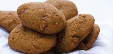 Lemon Cookies with Cinnamon Date Topping