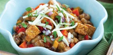 Black Eyed Pea Chili with Smoked Tempeh