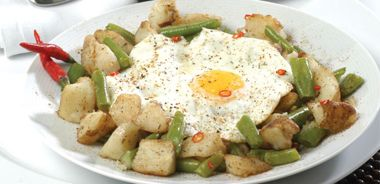 Crispy Skillet Potatoes with Egg and Green Beans