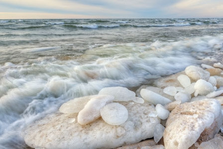 Lack of Ice Puts the Great Lakes on More Thin Ice
