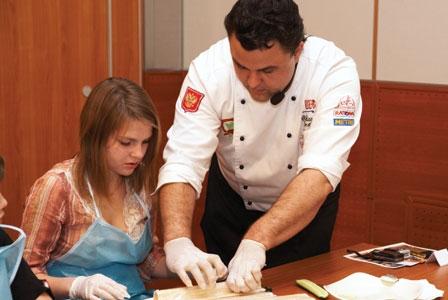 Community Kitchens Cook Together