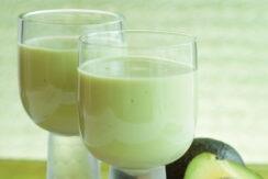 E-news-Mar15-avacado-smoothie