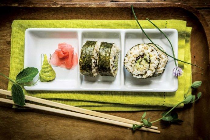 Triple-Seaweed-Brown-Rice-Sushi-MHWD5308-690x518