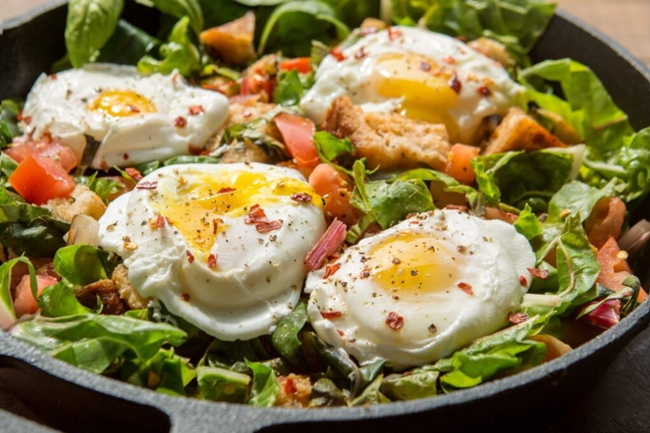 Tomato-Skillet-Salad-CAMP1527