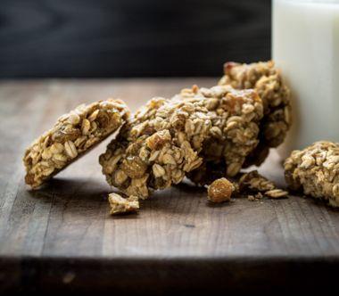 Cardamom and Golden Raisin Spelt Cookies
