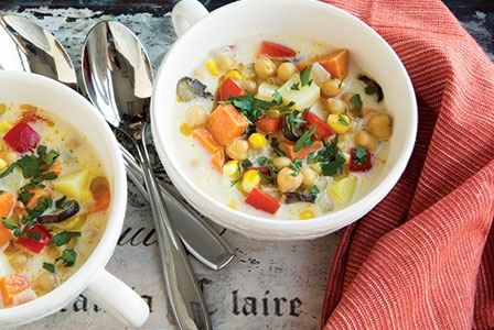 healthy-dinners-creamy-roasted-vegetable-chowder