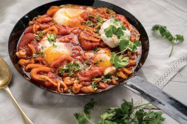 Roasted Tomato and Onion Shakshuka