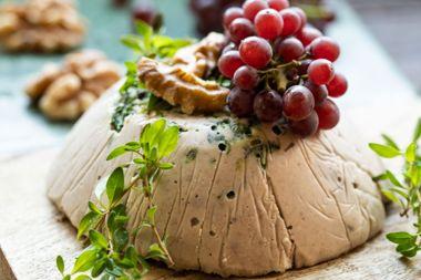 Walnut Thyme Cheese