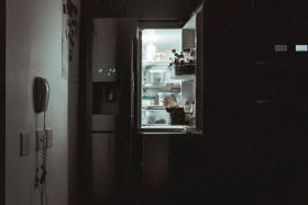 Managing Weight Control and Eating Disorders During Isolation