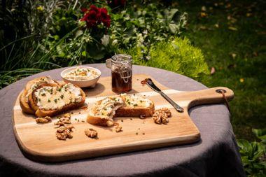 Manuka Honey and Cashew-Ricotta Crostini