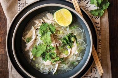 Vietnamese Chicken Phở' Gà Noodle Soup