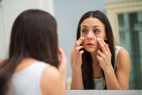 9 Quick and Easy Ways to Get Rid of Under-Eye Bags