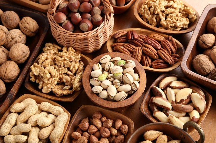 10 Reasons to Make Nuts Your Next Snack