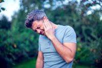 10 Simple Home Remedies for Earaches